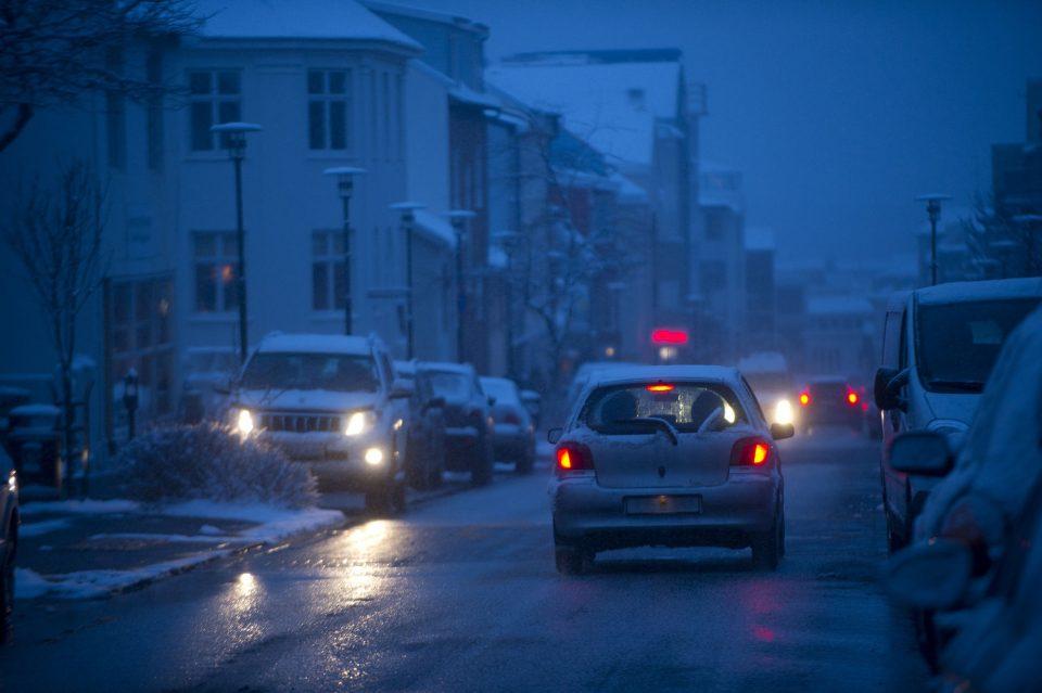Зимнее вождение, как ездить в непогоду.