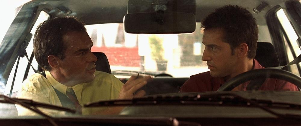 Что лучше: сдать на права экстерном или пойти в автошколу